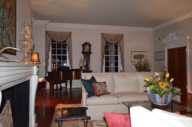 4-virginia-charlottesville-living-room-verulam