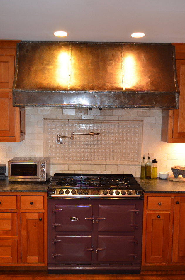 aga-range-and-hood-in-the-main-kitchen