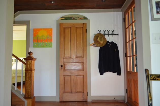 cottage-hallway